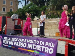 """""""Non un passo indietro sulla legge Zan"""", a Roma il presidio che spiega perché è """"necessaria"""""""