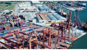 Un gesto che aiuta la pace: i portuali di Ravenna si rifiutano di caricare armi per Israele e l'armatore rinuncia