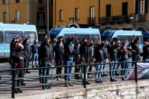 """Manifestazioni fasciste a Como, cresce l'indignazione. """"Autorizzazioni stonate con la Costituzione"""""""