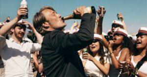 """""""Un altro giro"""", Oscar per il miglior film straniero: quel vuoto interiore che l'alcol non colma"""