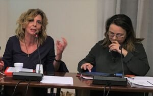 """L'allarme della Cpo Fnsi: """"In Italia sempre meno giornaliste dentro e fuori dalle redazioni"""""""