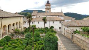 La Certosa di Trisulti torna al Mibact, l'associazione di Bannon restituisce le chiavi