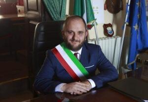 Un democratico non può essere amico di un fascista – Lettera aperta al Presidente della Puglia, Emiliano