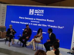 """Venezia 2021. Gabriele Mainetti parla di """"Freaks out"""" e lancia la campagna di Hearst per il ritorno in sala"""